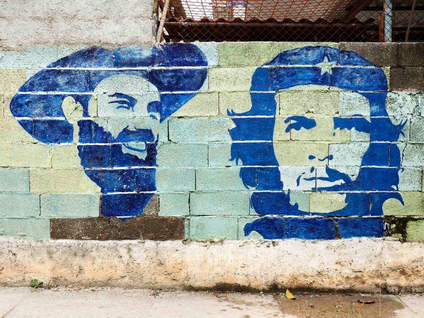 Camilo-Cienfuegos_Che-Guevara_Mural