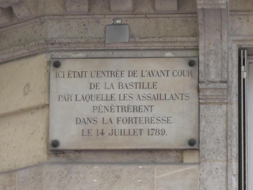 Plaque_Bastille_rue_Saint-Antoine.jpg